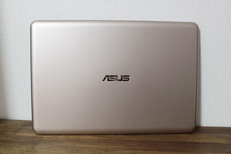 ASUSノートパソコン VivoBook E200HA-8350
